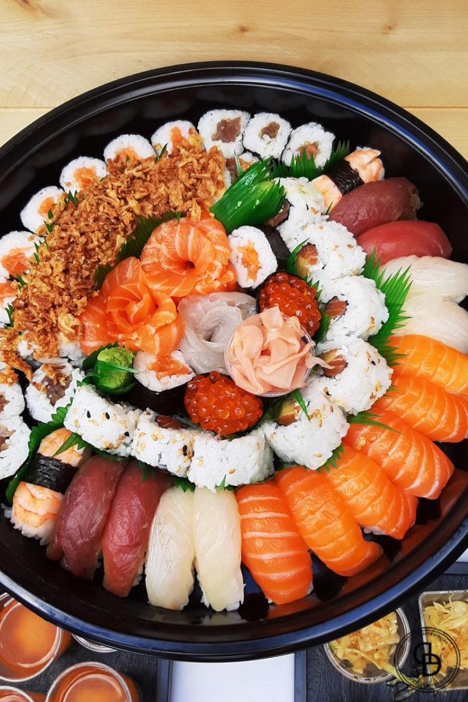 Sushis maki japonais pour un anniversaire