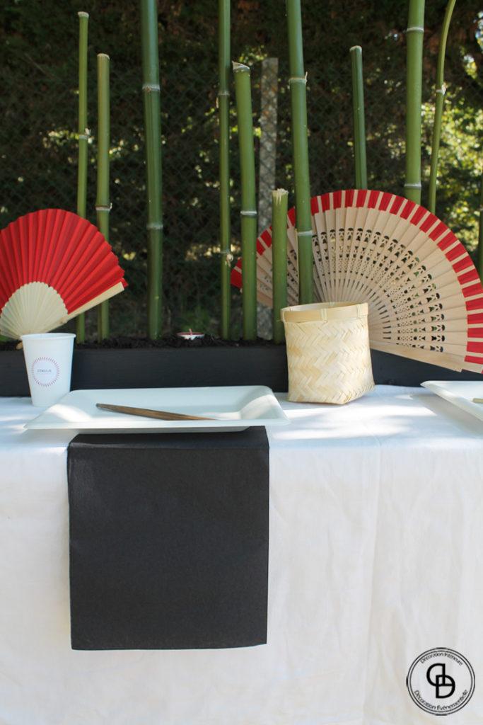 Table décorée sur le thème asiatique Petit Ninja
