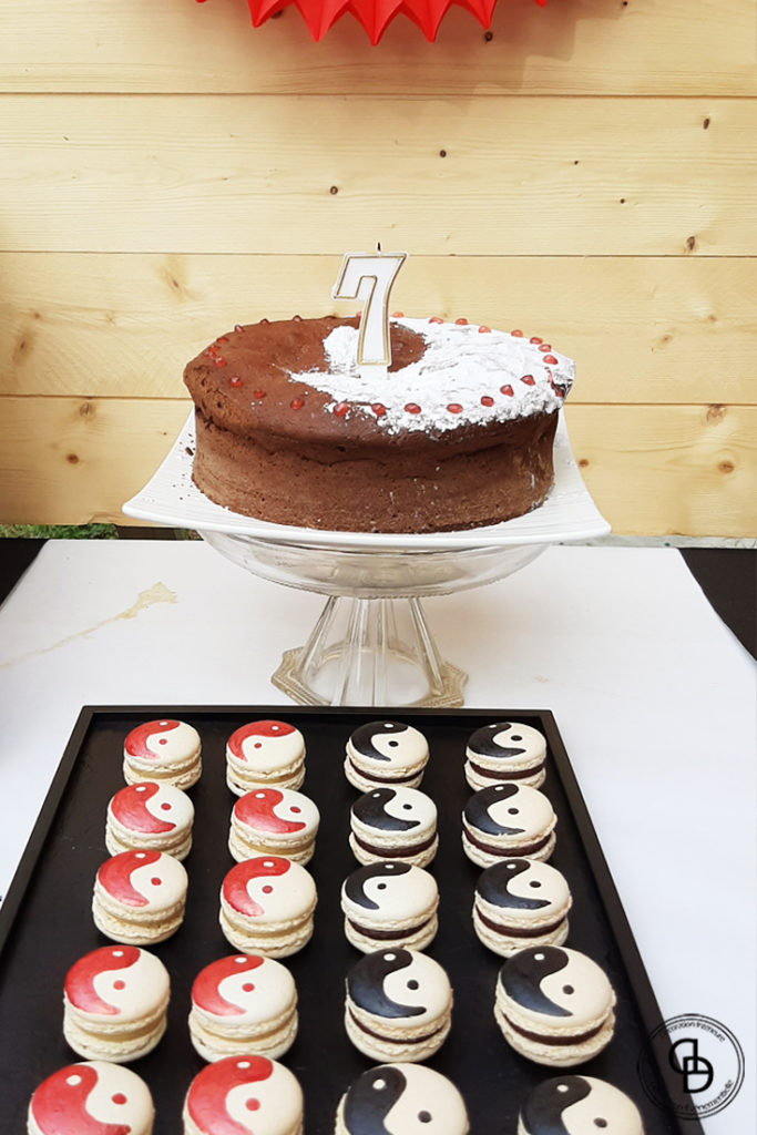 Gâteau d'anniversaire sur le thème Ninja Yin et Yang